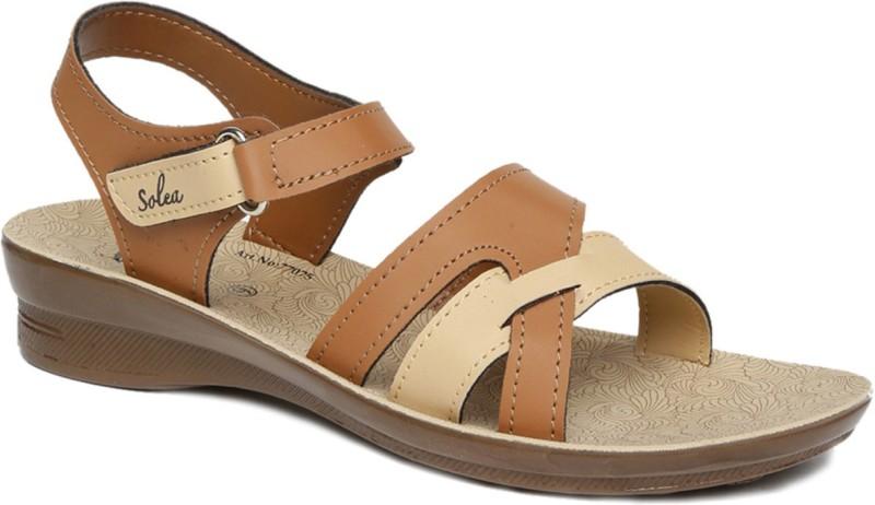 Paragon Women Tan Flats