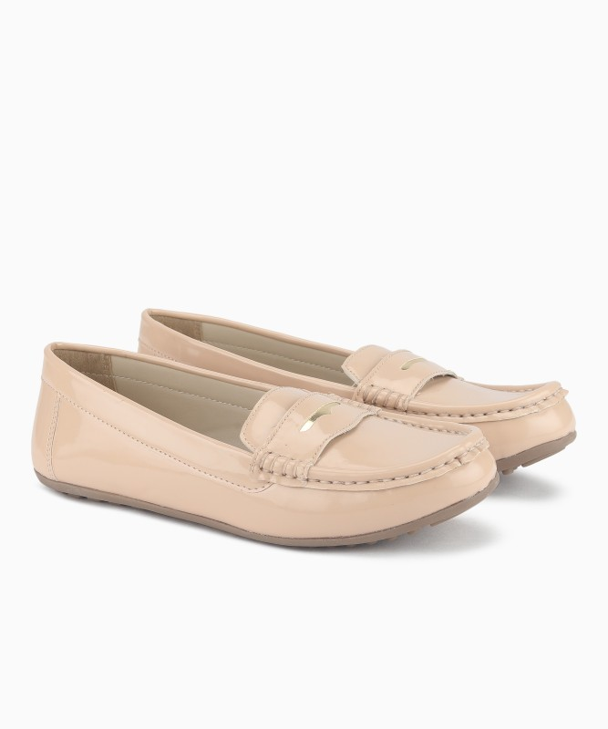 Miss CL By Carlton London Loafers For Women(Beige)