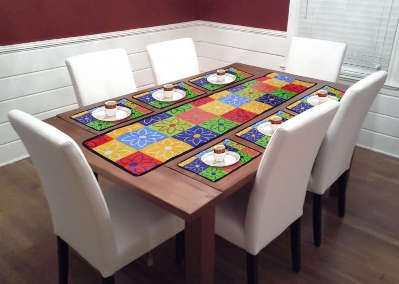 HOTDEALZZ Multicolor PVC (Polyvinyl Chloride) Table Linen Set(Pack of 7)