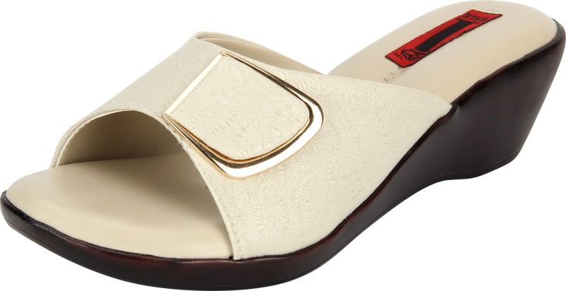 1 WALK Women Off White Wedges