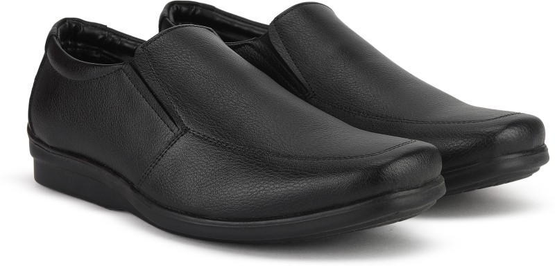 Bata EDGAR Slip On For Men(Black)