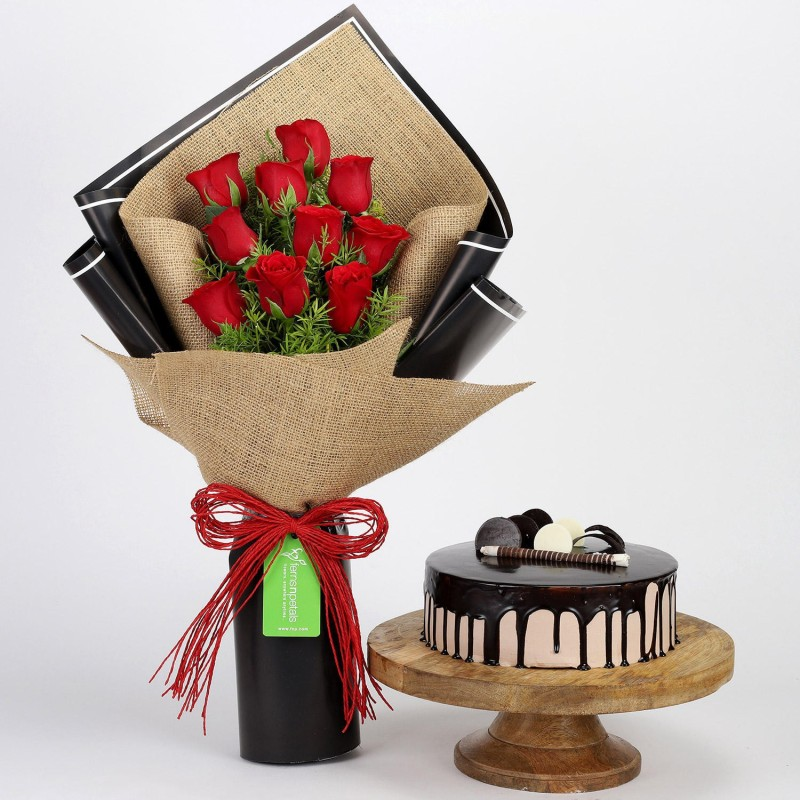 Ferns N Petals 10 Red Roses Beautifully Wrapped with Choco Cream Cake for Birthday/Anniversary/Valentine's Gifting Combo(600gm)