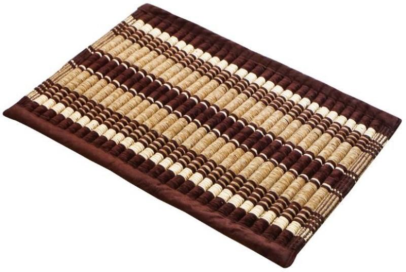 Bluegrass Cotton Bathroom Mat(Maroon, Medium)