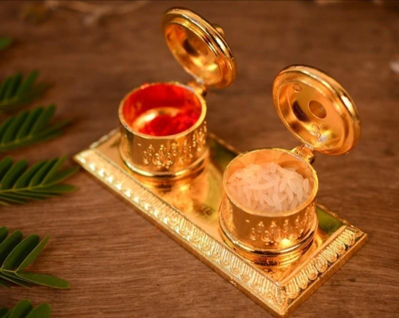 New Jaipur Handicraft Hukum Mere Aaka Metal Kumkum Box Sindoor Dabbi Chopda Decorative Showpiece - 5 cm(Brass, Gold)