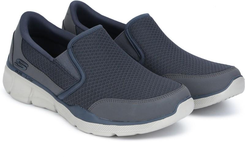 Skechers EQUALIZER 3.0 Walking Shoes For Men(Grey)