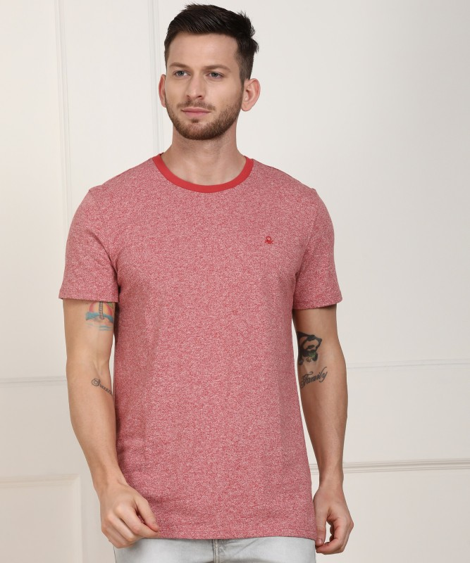 United Colors of Benetton Solid Men Round Neck Maroon T-Shirt