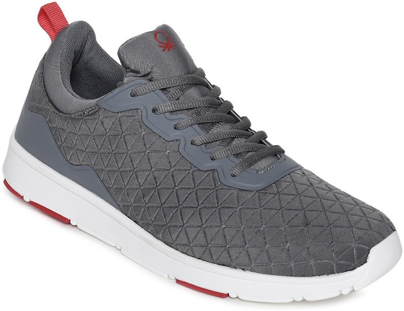 United Colors of Benetton Walking Shoes For Men(Grey)