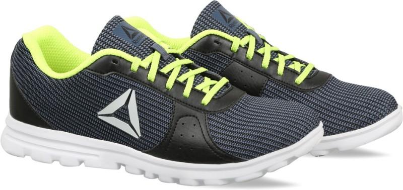 REEBOK Runthusiastic Lp Running Shoes For Men(Black)