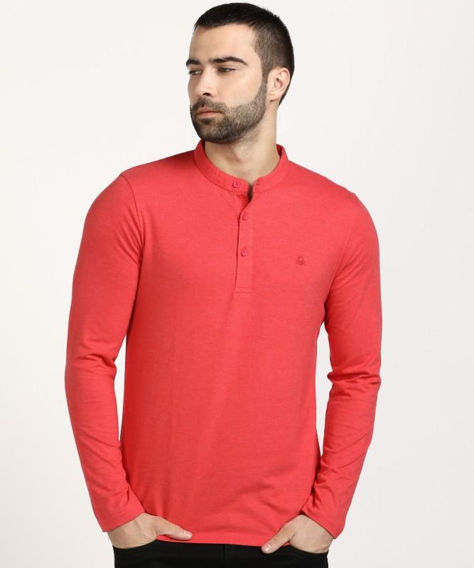 United Colors of Benetton Solid Men Mandarin Collar Red T-Shirt