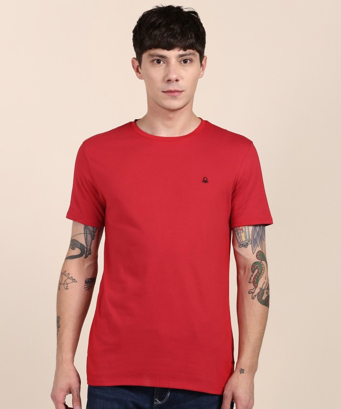 United Colors of Benetton Solid Men Round Neck Red T-Shirt