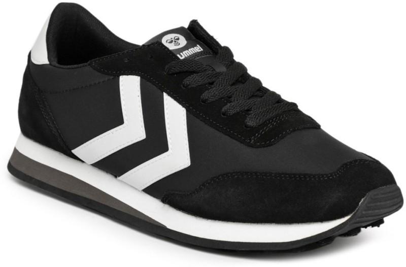 hummel hummel Men Black Solid HELSINKI Sneakers Sneakers For Men(Black)