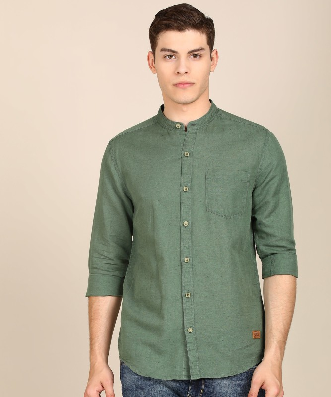 Wrangler Men Solid Casual Green Shirt