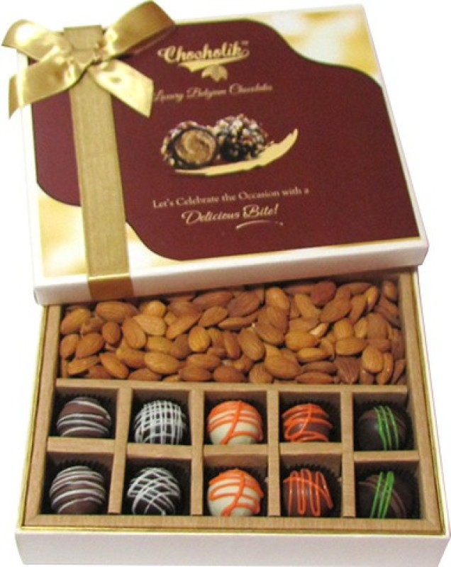 Chocholik Attractive Combination Of Almonds, Chocolates