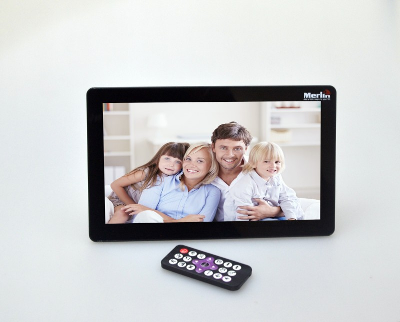 Merlin Digital PhotoFrame (10.1 inch) 10.1 inch Digital(4 GB, Black)
