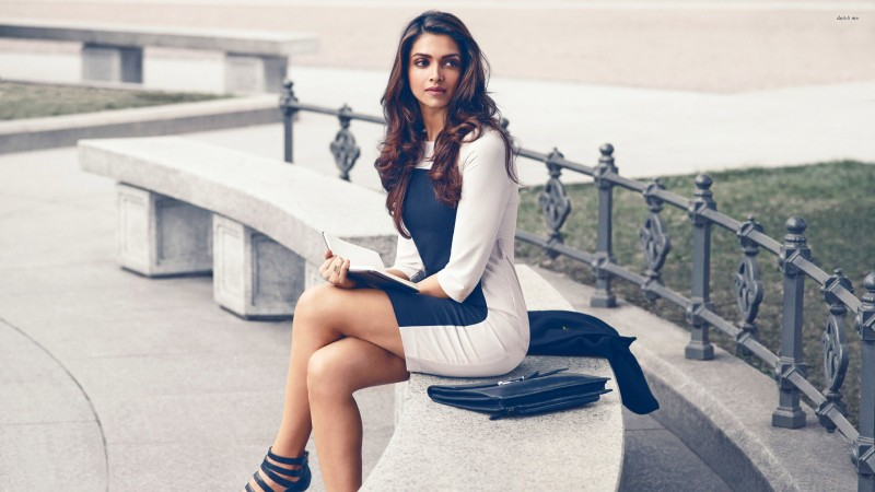 Deepika Padukone reading in the park Athah Fine Quality Frameless Poster Paper...