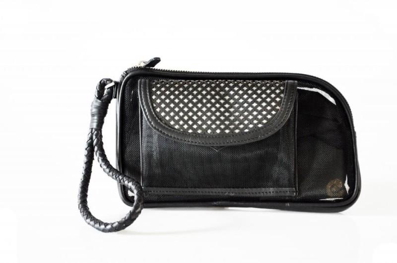 Dhruva Roxy Wristlet(Black)