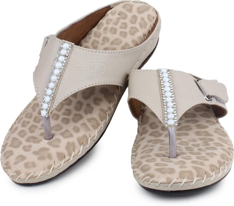 London Steps Women Cream Flats