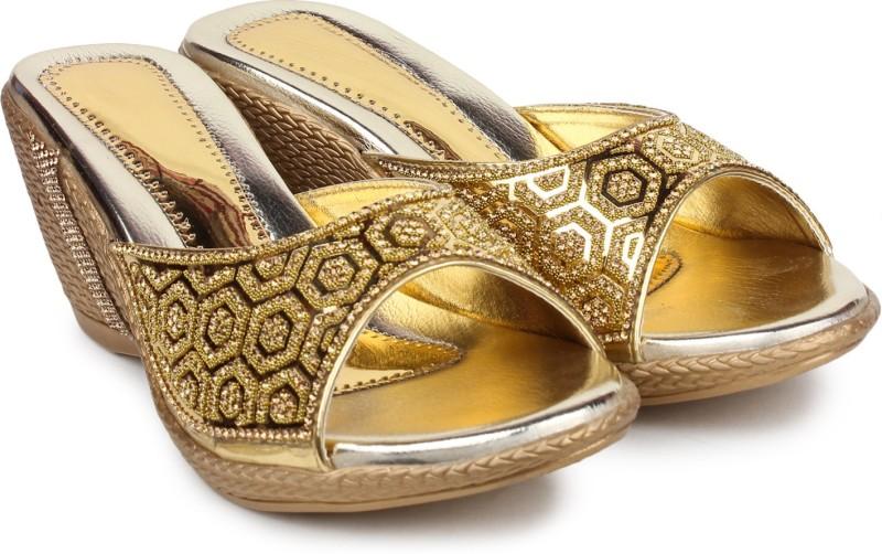 London Steps Women Golden Wedges
