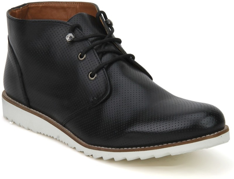Knotty Derby Colin Chukka Boots For Men(Black)