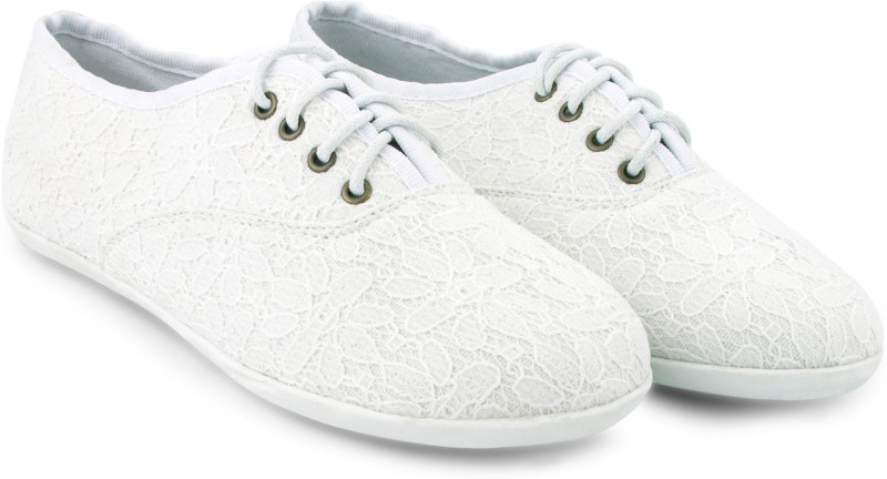Stay in Vogue - White Sneakers - footwear
