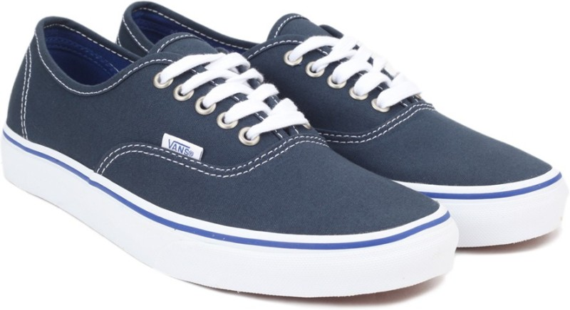 Vans Classic Slip-On Sneaker For Men(Grey, Black)