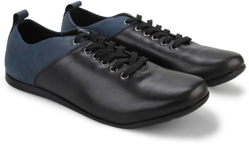 Knotty Derby Thomas Hiking Casuals(Black, Blue)