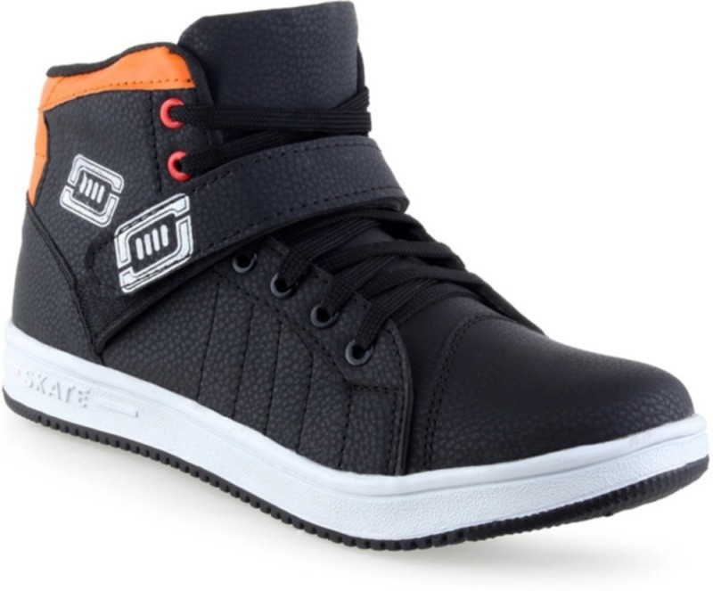 Footista Rapid Boots Casuals(Black, Orange)
