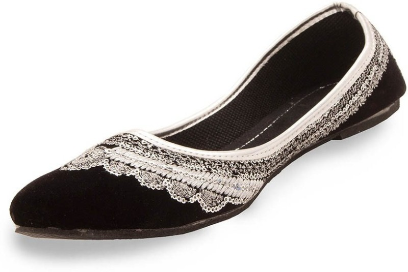 A R Jutis For Women(Black, White)