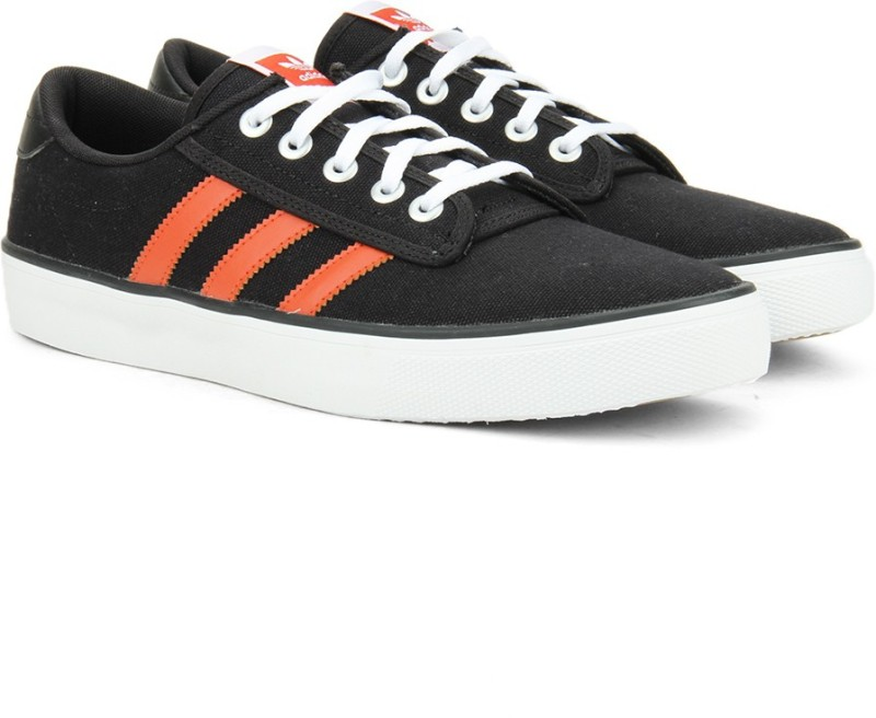 Adidas Originals KIEL Sneakers(Black, White)