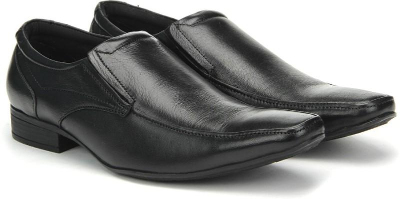 Hush Puppies By Bata BRUCE_SLIP ON slip on shoes For Men(Black)