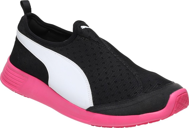 Puma ST Trainer Evo Slip-on DP Running Shoes(Multicolor)