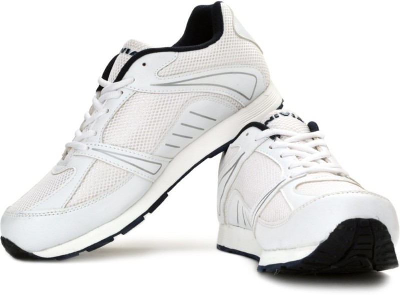 Nivia Hawks Walking Shoes For Men(White, Grey)