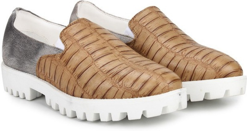 Knotty Derby Ginny Loafers For Women(Tan)