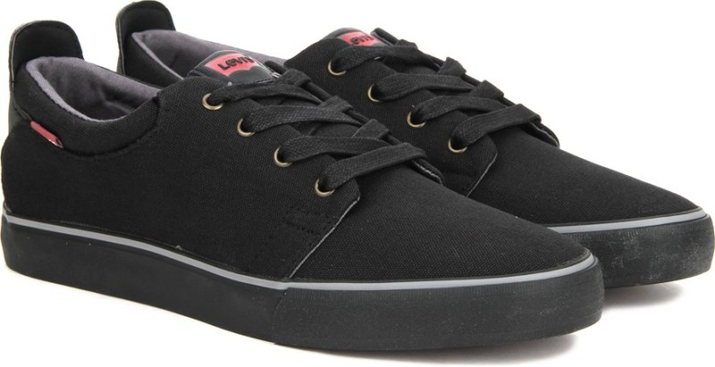 Levis Justin Laced Sneakers For Men(Black)