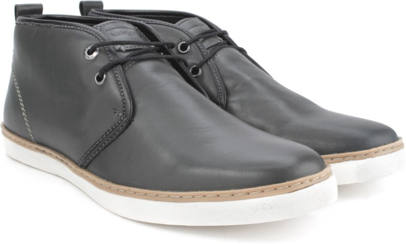 Levis Chukkas Leather Boots For Men(Black)