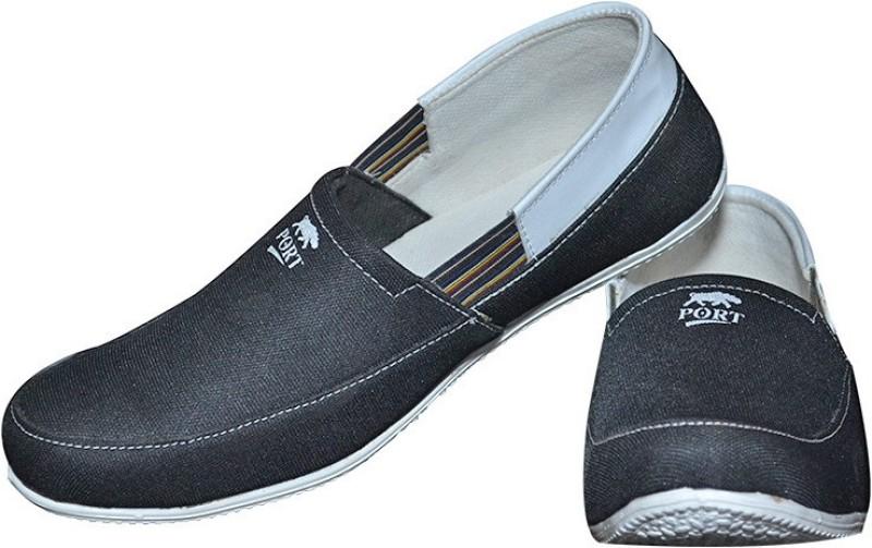 Port Spectra Football Shoes For Men(White, Black)