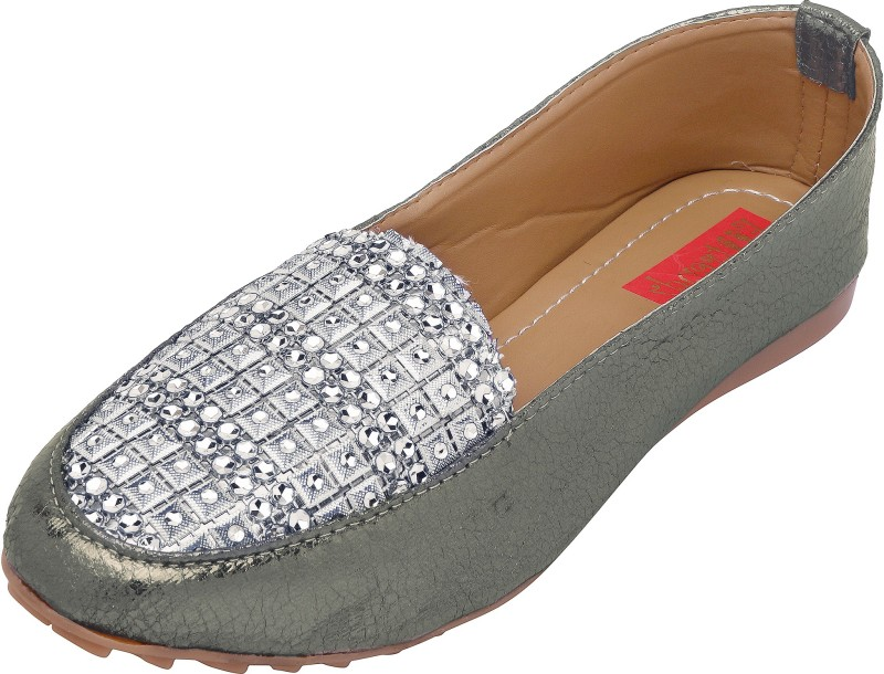 Footrendz Designer Loafers For Women(Grey)