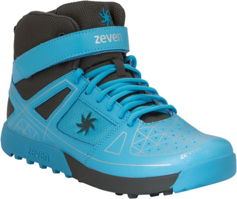 Zeven Blaze Cricket Shoes For Men(Blue, Black)