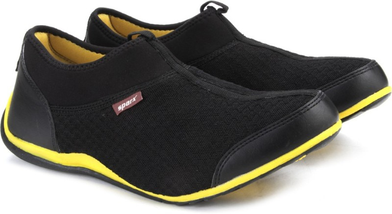 Sparx Men Walking ShoesBlack