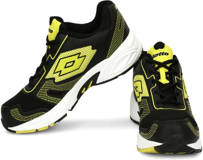 Lotto Dynamo Running Shoes For Men(Black, Yellow)