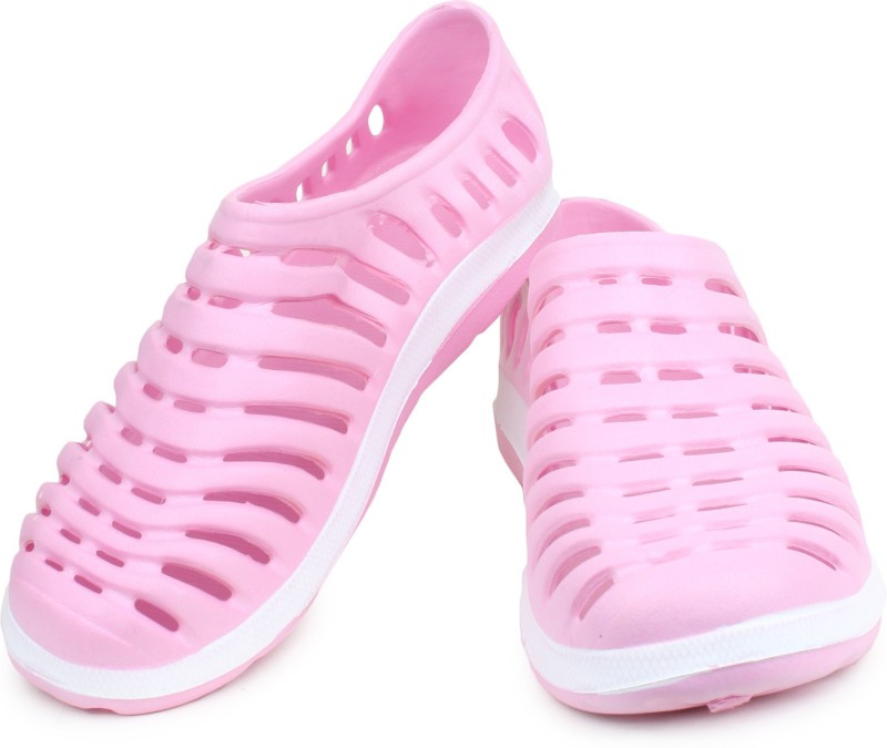 Do Bhai Women Pink Clogs