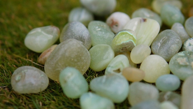 Pebblewala PBLWLA016 Polished Asymmetrical Onyx Pebbles(Green 980 g)