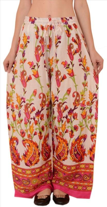 Skirts & Scarves Regular Fit Women's White Trousers