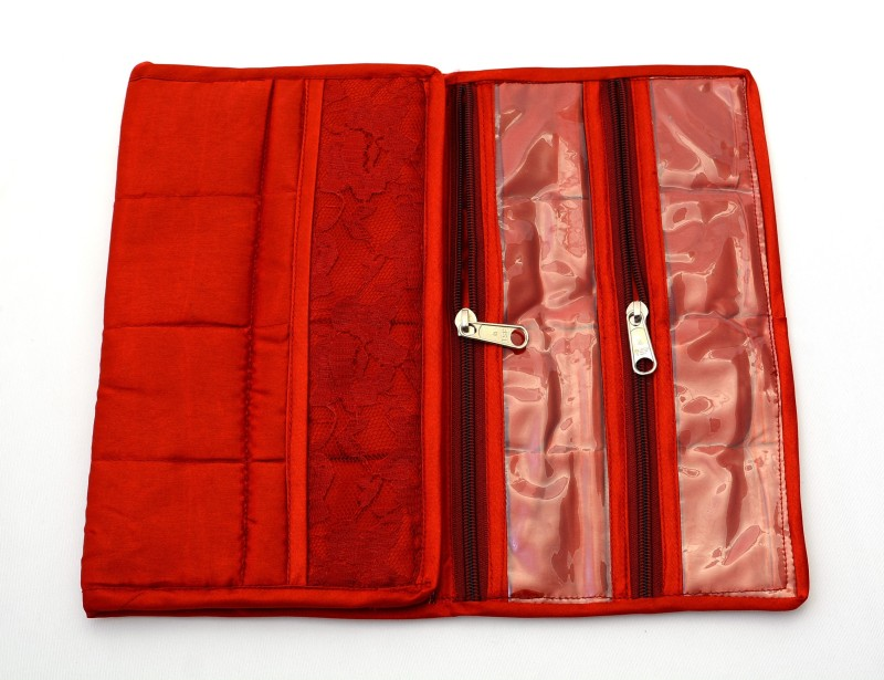 kp-satin-pouch-watch-boxred-holds-6-watches