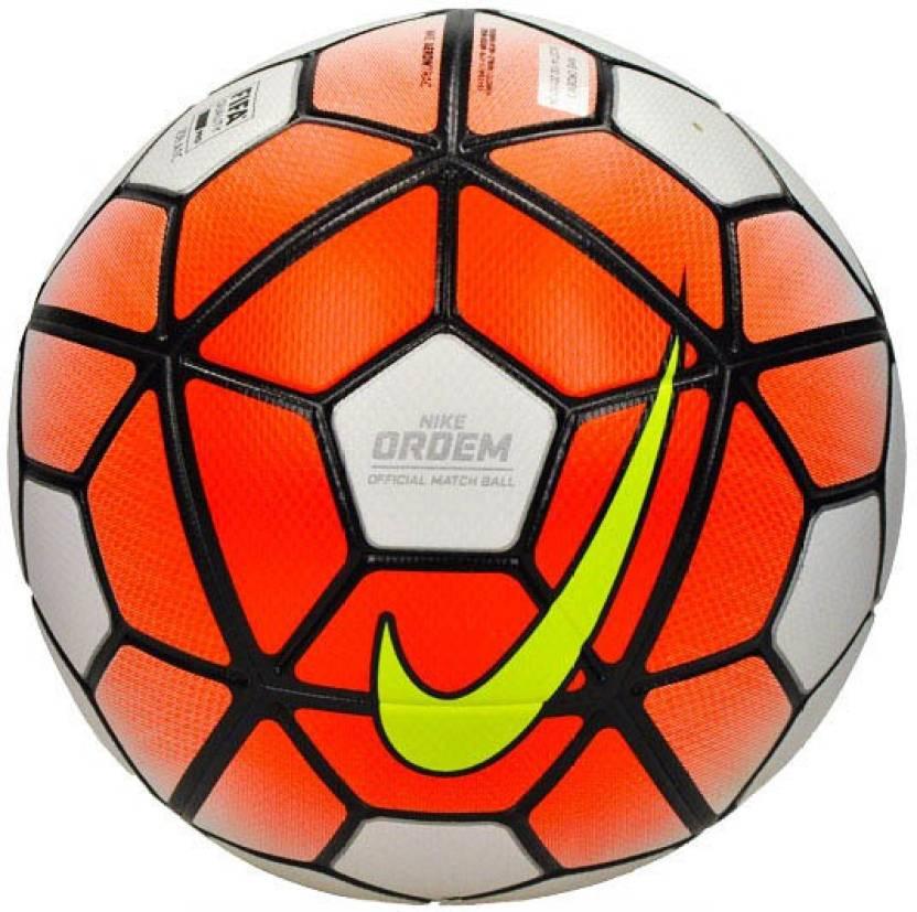 premium selection c3aaa d8ac9 Nike Ordem 3 -Aerowtrac Football - Size  5 (Pack of 1, White, Orange)