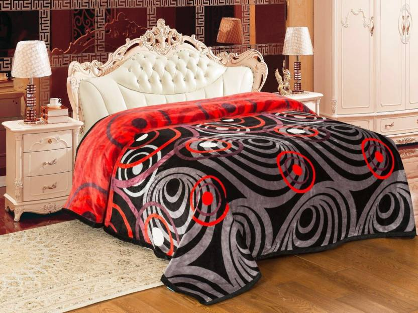 Flat 30% Off On Signature Blankets