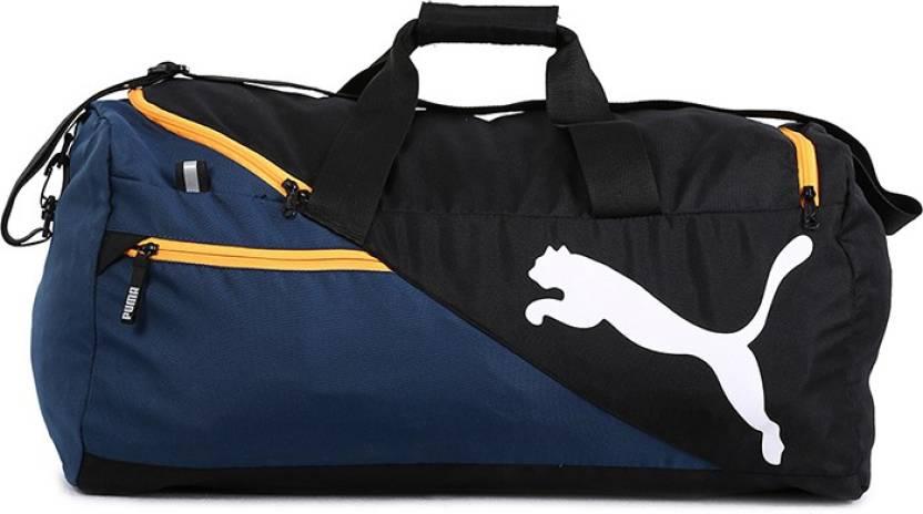 9f58cfcdb279 Puma 154 inch 391 cm Puma Cat Logo Weekender 154 inch 391 cm (Black08) Gym  Bag (Black)