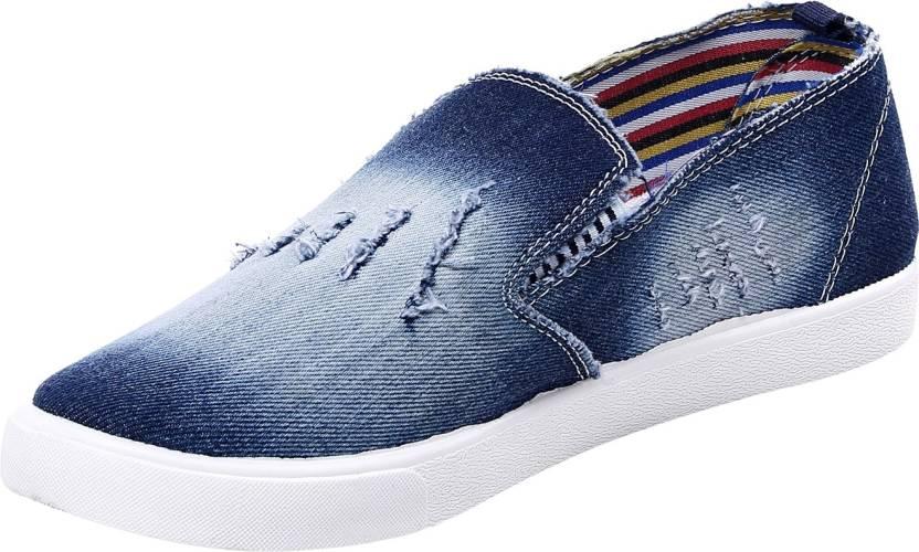 Minimum 40% Off on Casual Shoes- UCB, Levi's & more By Flipkart   De 1' amour Casuals  (Blue) @ Rs.284