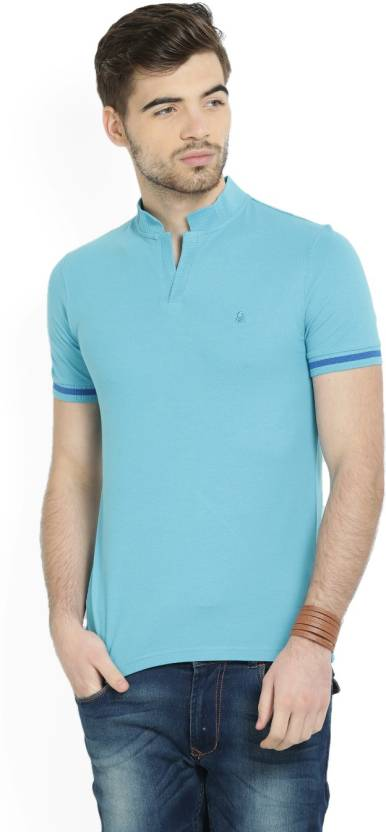 c0325448 United Colors of Benetton Solid Men's Mandarin Collar Blue T-Shirt ...
