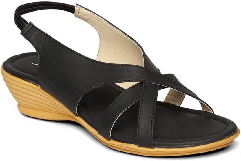 Paragon Women Black Sandals